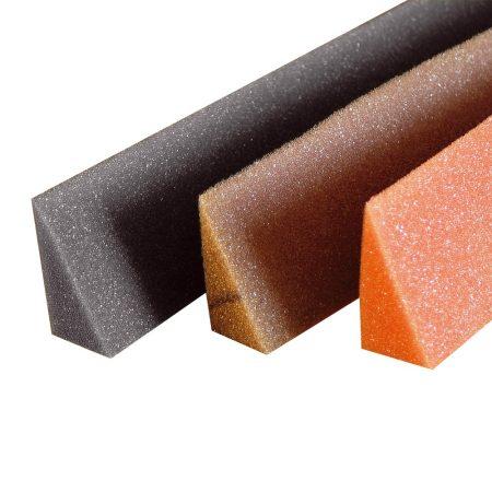 Poliuretán öntapadó univ. ék alakú tömítés - 1 m, a cserepeslemez gerinclemezre, vagy a T14/18-as trapézlemez alá