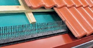 Fésűs eresz szellőzőelem, lapos 60 mm x 1 fm, fekete, barna és tégla színben